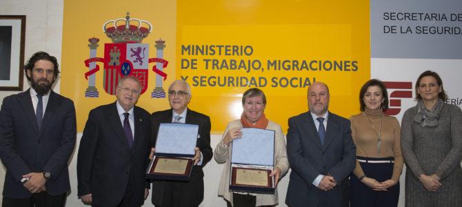 Homenaje de los graduados sociales a funcionarios de la Seguridad Social en su 40 Aniversario