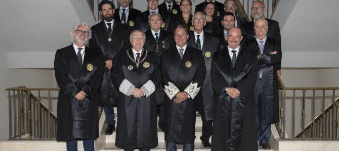 Toma de posesión de la nueva junta de gobierno del Colegio de Graduados Sociales en la sede de la Audiencia Provincial